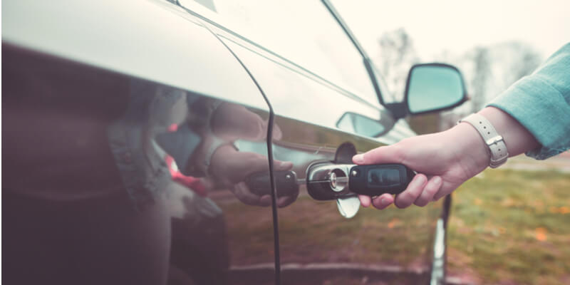 replacement car keys with chips - Uncle Ben's Car Locksmith Boston